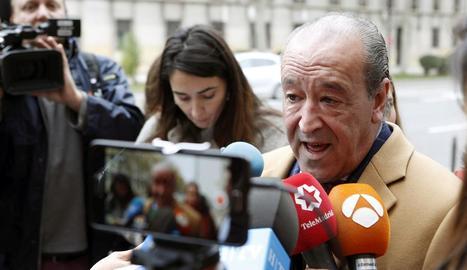 Javier Notivoli, advocat de César Román, ahir a Saragossa.