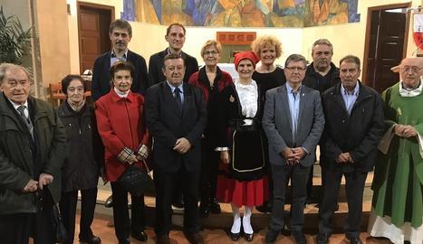 Autoritats i representants de la Casa de Cantàbria.