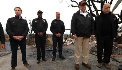 El president Donald Trump va visitar dissabte la zona de Camp Fire.