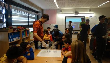 Tallers lúdics per practicar ciència a l'institut La Mitjana de Lleida