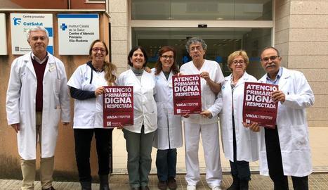 Diversos metges van fer ahir públic el suport a la vaga.