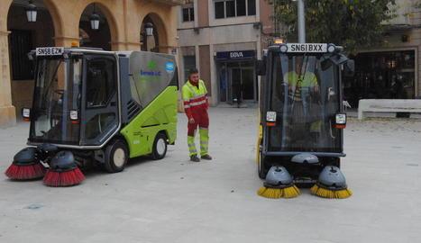 La nova maquinària adquirida per netejar els carrers.