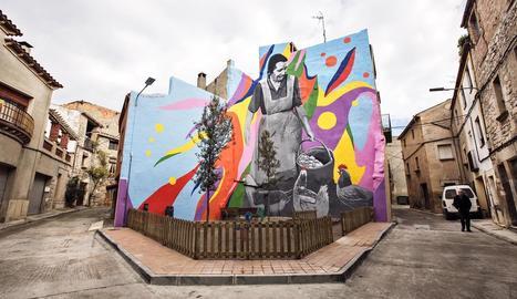 Grafiti de 380 metres quadrats a Sant Martí de Maldà, dedicat a la dona a l'àmbit rural.