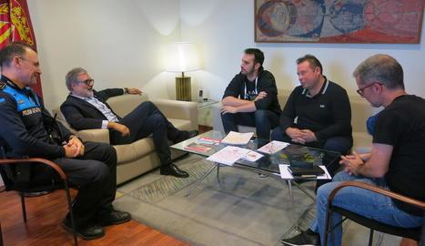 Un instant de la reunió de Larrosa amb membres de VMP Lleida.