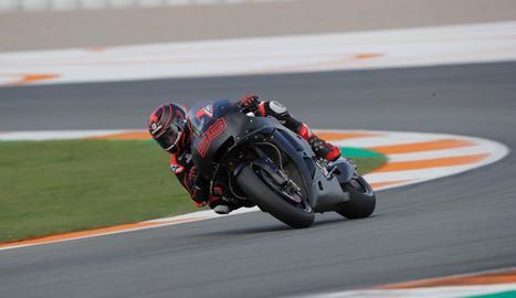 Marc Màrquez ahir a Xest provant la nova muntura d'Honda per al 2019.