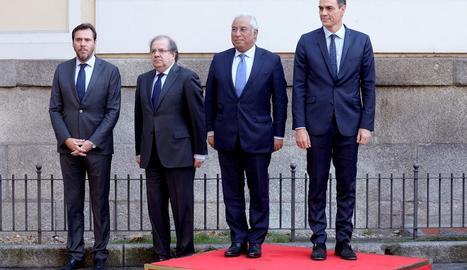 Pedro Sánchez i el primer ministre de Portugal, ahir a la cimera hispanolusitana.