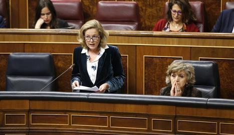 La ministra d'Economia, Nadia Calviño, a la sessió de control del Congrés, ahir.