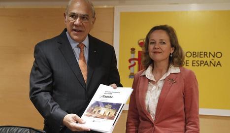 El secretari general de l'OCDE, Ángel Gurría, i la ministra d'Economia, Nadia Calviño, ahir.