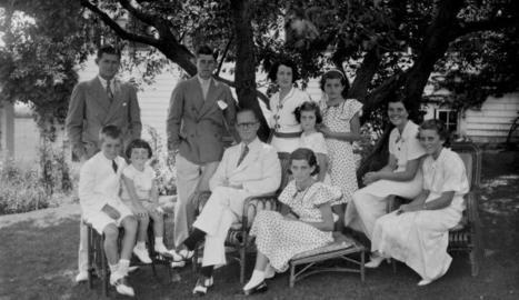 El clan Kennedy al complet, amb el patriarca, Joseph Patrick, al centre.