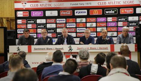 Una vista de l'assemblea de socis de l'Atlètic Segre celebrada ahir.