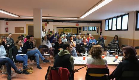 Debat sobre la sanitat pública al Centre Cívic de la Mariola.
