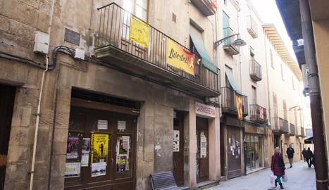 Pedrolo va viure la seua infantesa al número 5 del carrer Major.