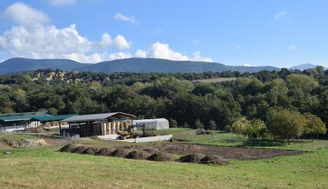 Les instal·lacions de l'escola eqüestre a l'Alt Urgell.