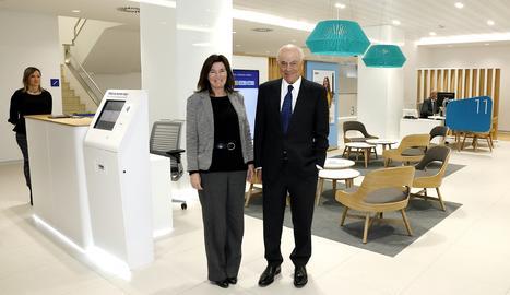 Cristina de Parias, directora de BBVA España, i Francisco González.