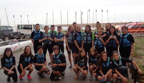 Una de les activitats va ser la visita a l'escola de vela de Sant Cebrià.