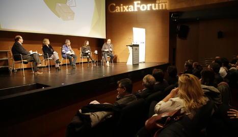 Una de les taules de debat de les jornada d'ahir al CaixaForum.