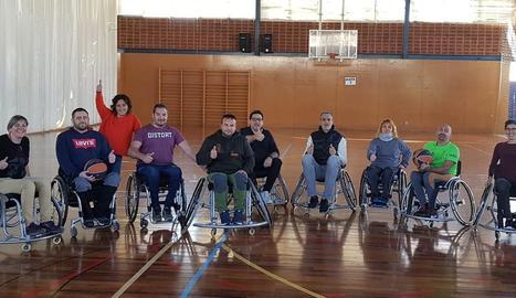Primera sessió de l'equip de bàsquet adaptat del CB Pardinyes