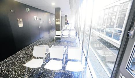 La sala d'espera del CAP Onze de Setembre estava ahir buida.