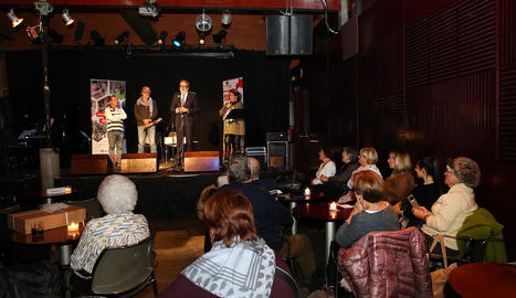 L'alcalde de Lleida, Fèlix Larrosa, va participar a la festa al Cafè del Teatre de l'Escorxador.
