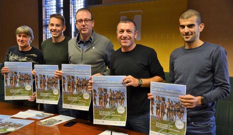 Jordi Aymerich, Fran Carrillo, Marc Solsona, Juli Niubó i Ricard Pastó, ahir a la presentació.