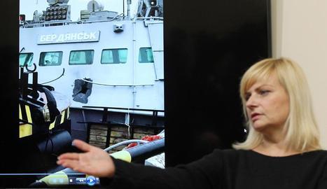 Les autoritats ucraïneses van mostrar els danys patits per l'atac rus als seus vaixells.