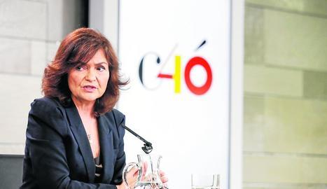 La vicepresidenta Carmen Calvo, durant la roda de premsa posterior al Consell de Ministres d'ahir.