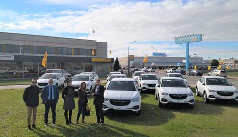 La flota consisteix en 18 unitats del nou Opel Granland X així com dues unitats del Opel Movano.