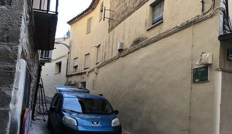 El carrer de San Pablo, al centre històric de Fraga.