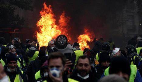 Disturbis a París durant les protestes dels Armilles Grogues del cap de setmana passat.