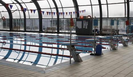 La situació de la piscina ha generat queixes a Balaguer.