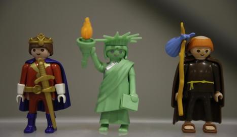 A l'esquerra, les figures més desitjades entre els col·leccionistes. A la dreta, un dels diorames i peces de gran mida a la fira.