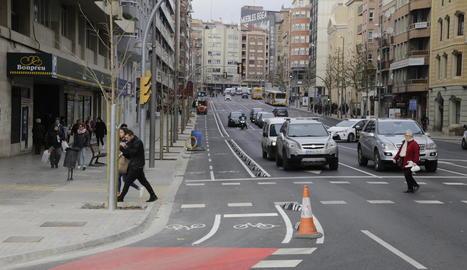 El carril bici d'avinguda Catalunya, que es va començar a construir a l'estiu, ja està acabat.