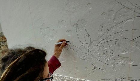 mural. Una de les disciplines artístiques en les quals es mou Yantrart és en la pintura mural. A l'esquerra i a dalt, abans i després d'una obra.