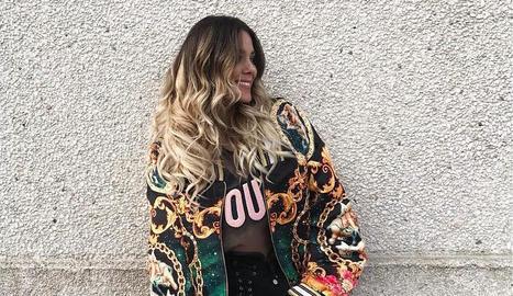 'influencers'. A sota, la cantant Lorena Gómez, que és fan de la firma de Maria Albertin. La influencer Dulceida també llueix al seu Instagram el model Harper.