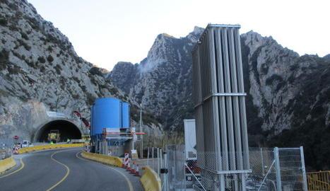 La planta de tractament d'aigües que s'ha muntat a la boca sud