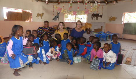 compartir. Durant unes setmanes, les voluntàries conviuen amb les dones d'Oussouye.