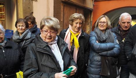 Josefa Pedra va rebre el suport de diversos veïns de la capital.