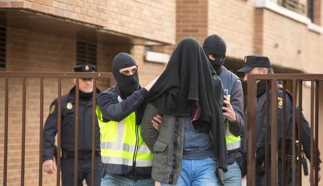 Imatge de la detenció del presumpte jihadista a Vitòria