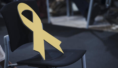 La Fiscalia arxiva la causa contra els Mossos pels llaços grocs