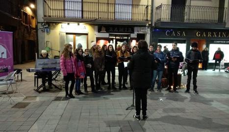 L'Escola Municipal de Música de la Seu surt al carrer per Nadal
