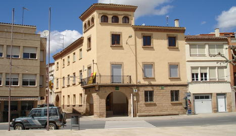 L'ajuntament de la Granadella, al centre de la població.