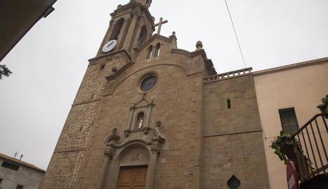 Imatge de la façana de Santa Maria de Montgai sense bastides.