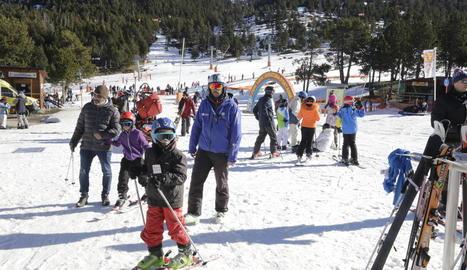 Més de 1.700 persones van esquiar ahir a les pistes de Port Ainé, al Pallars Sobirà.