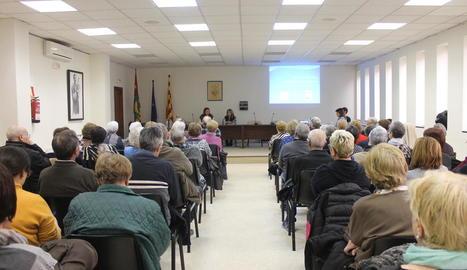 Imatge de la reunió informativa que va organitzar l'ajuntament.