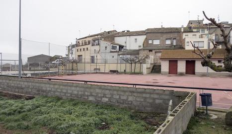 Vista de la pista poliesportiva de Massoteres.