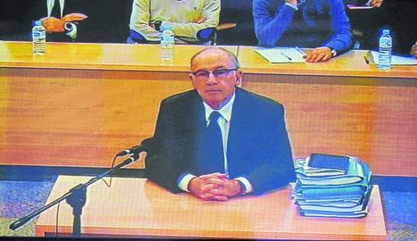 Imatge de Rodrigo Rato, expresident de Bankia, durant el judici a l'Audiència Nacional, ahir.
