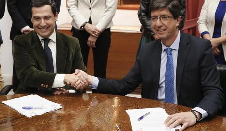 Juanma Moreno i Juan Marín van segellar així el seu acord de govern per a la Junta d'Andalusia.