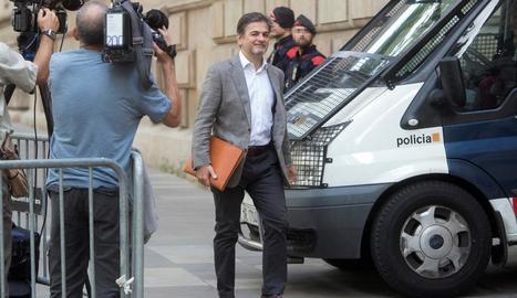 Oriol Pujol, a l'arribar a l'Audiència de Barcelona al juliol.