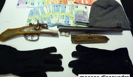 Detingut un home que acabava d'atracar un banc al Pont de Suert