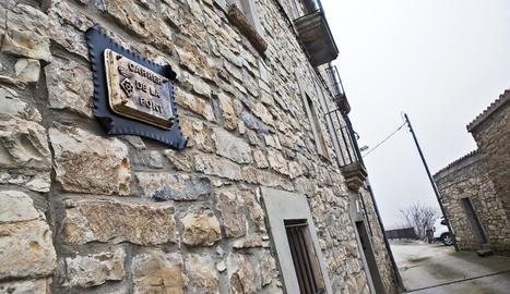 Un dels carrers de Comabella que ha estat batejat com a carrer de la Font al nomenclàtor.